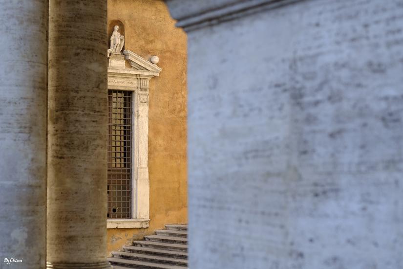Ruelle à l'entrée du Musée du Capitole Rome jfl 01