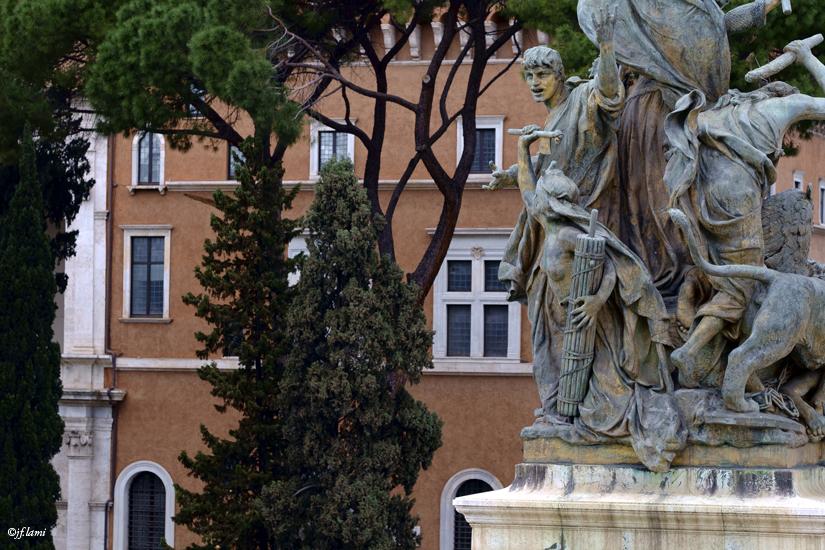 Statues Museo Sacrario delle Bandiere Rome jfl 01