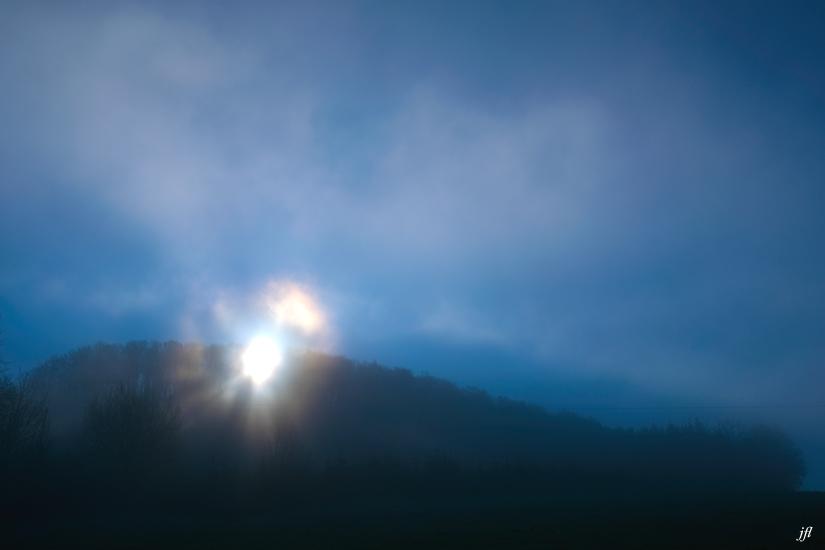 Dans la brume electrique jfl 002